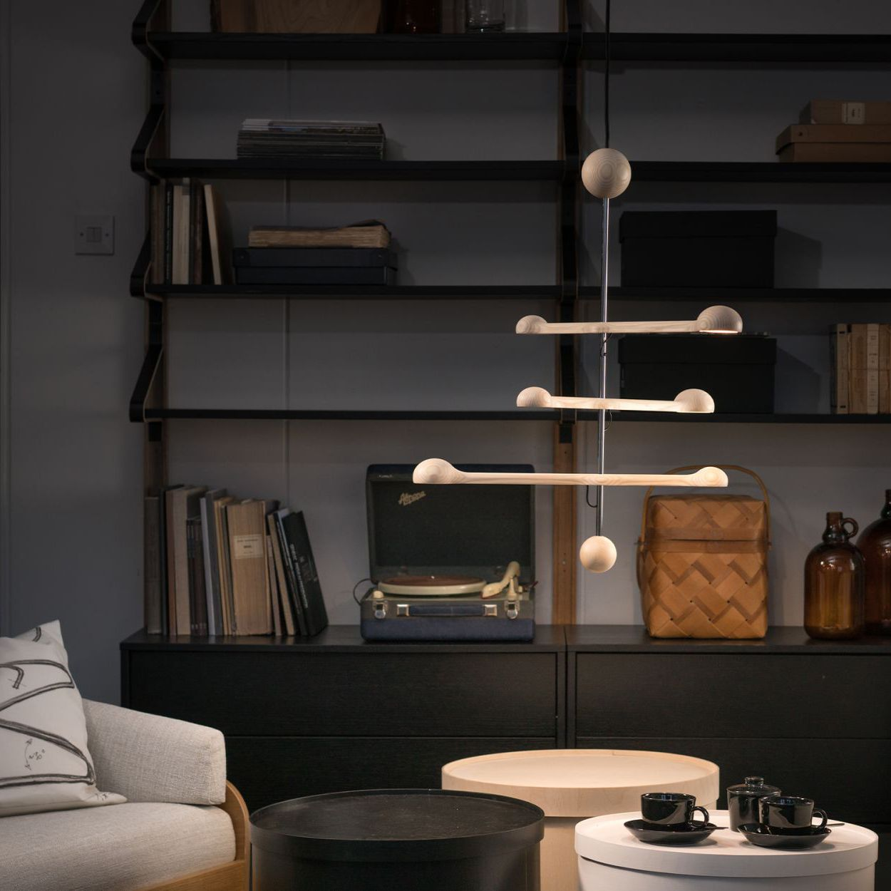 Lighting-G4led-livingroom-pendantlamp-wood-TapioAnttilaCollection-cropped