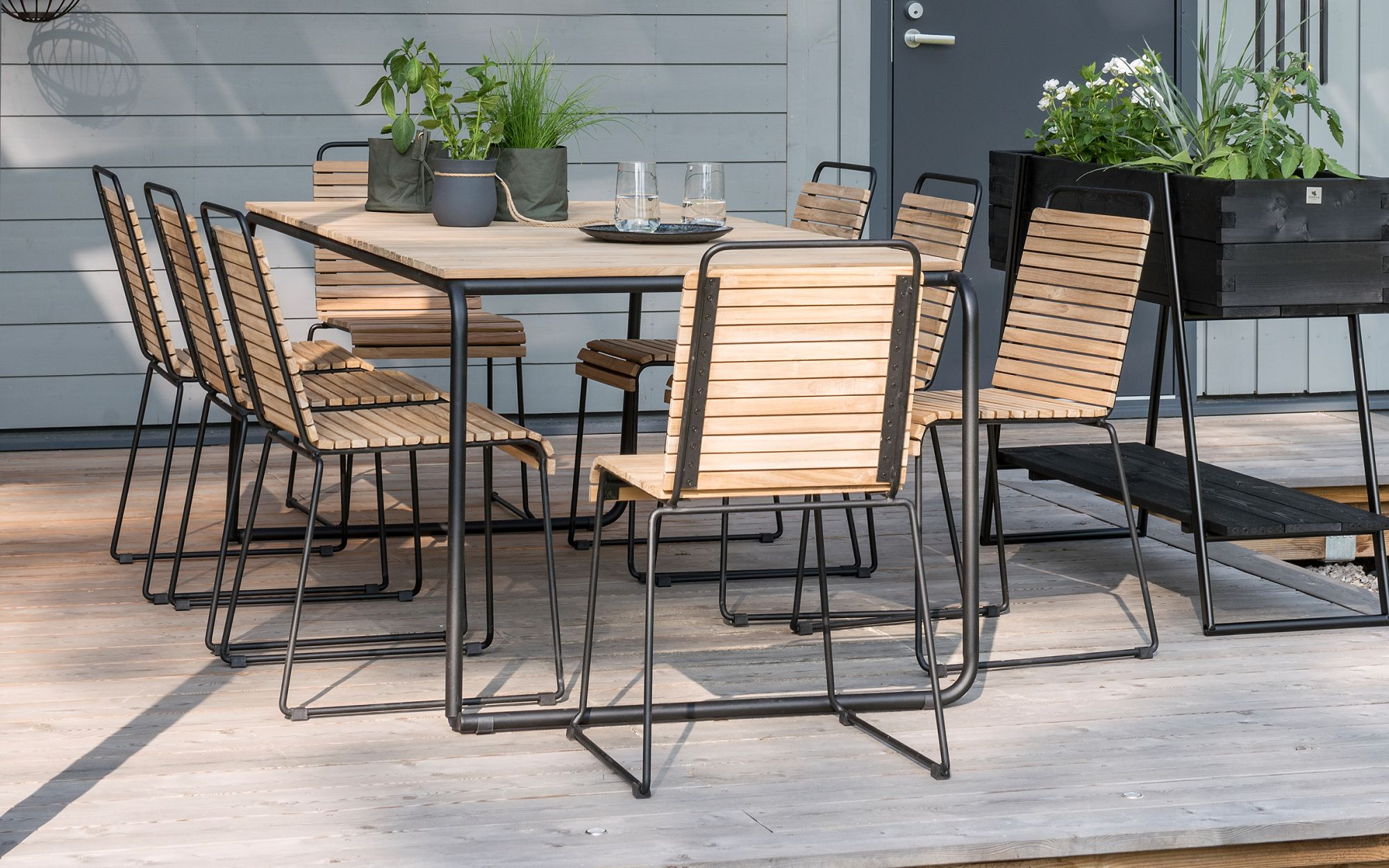 DiningTable-chairs-Casual-2