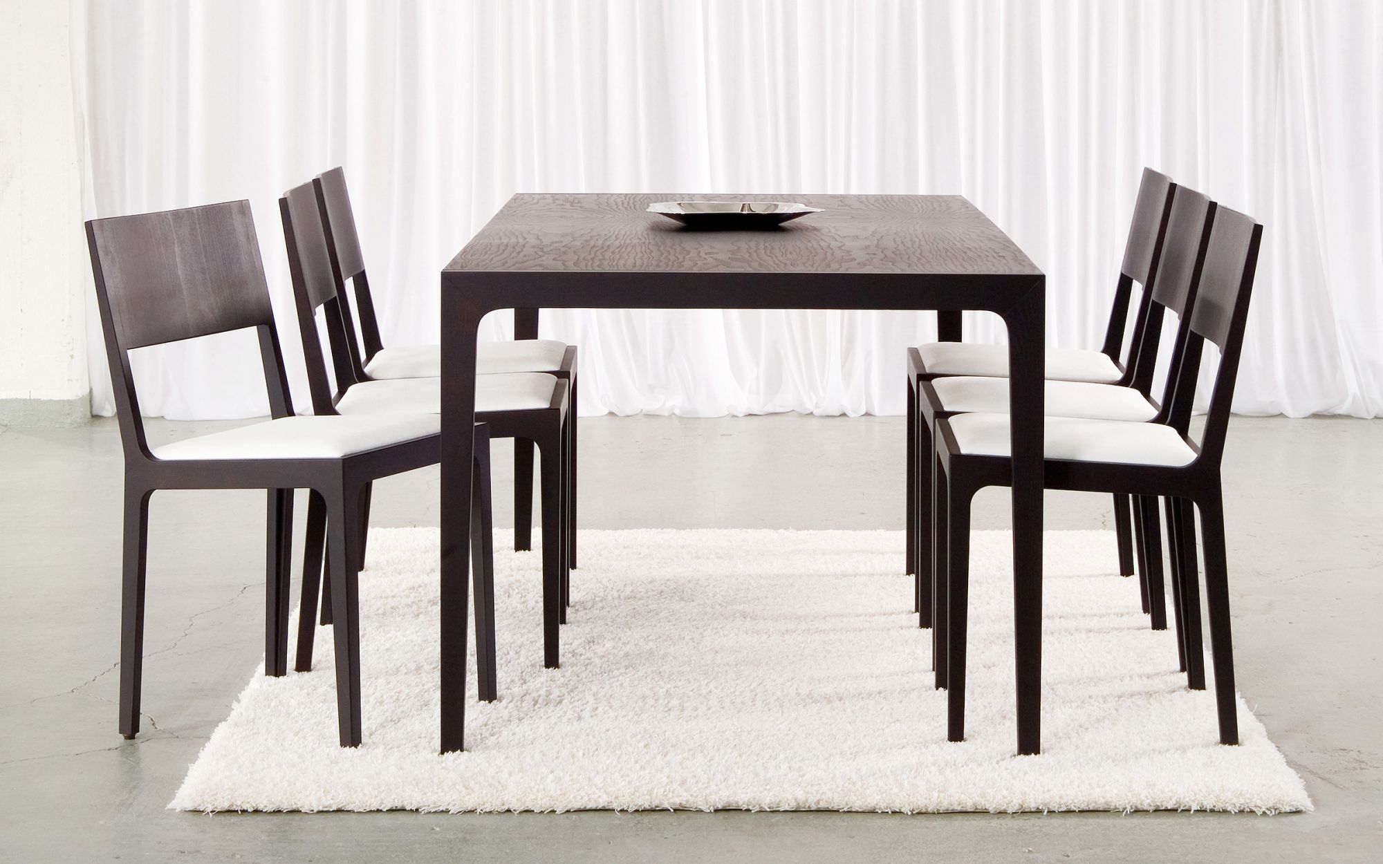 Dininggroup-In-table-chair-wenge